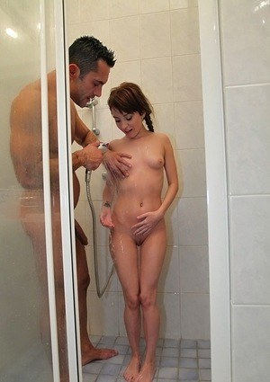 Teen Sex Naked In The Shower 89